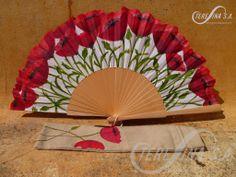 Los abanicos del foro Antique Fans, Vintage Fans, Pretty Hands, Beautiful Hands, Painted Fan, Hand Painted, Hand Held Fan, Hand Fans, Fancy Umbrella