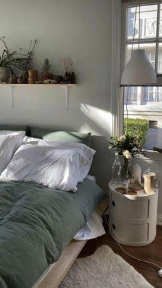 Room Ideas Bedroom, Bedroom Decor, Bedroom Inspo, Decor Room, Plants In Bedroom, Bedroom Ideas For Small Rooms, Ikea Room Ideas, Bedroom Shelves, Study Room Decor