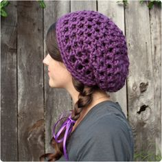 Free Crochet Pattern: Waffle Cone Slouchy Hat from Gleeful Things.