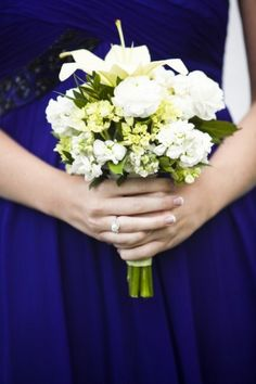 bridesmaids flowers Bridesmaid Ideas, Bridesmaid Flowers, Wedding Bouquets, Bridesmaids, Wedding Flowers, Wedding Fun, Crown, Bridal Bouquets, Corona