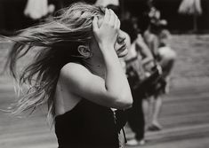 Joseph Szabo started his career as photograph teacher at Malverne High School in Long Island. He perfectly captured the personal moments of rebellious youth. Long Island, Joseph, High School, Teenage Wasteland, Portraits, Vintage Photography, Photography Topics, School Photography, Inspiring Photography
