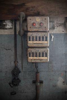 telefonzentrale by sureShut, via Flickr