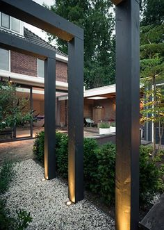 stadstuinen gezellige-loungetuin-met-zichtlijnen-in-den-ml Though ancient in strategy, the pergola is going through somewhat of Diy Pergola, Pergola Swing, Outdoor Pergola, Pergola Lighting, Exterior Lighting, Pergola Plans, Black Pergola, Small Pergola, Small Patio