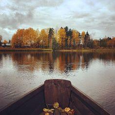 Syksy, Järvi, Vene, Suomi, Vesi, Luonto Shallow Water Boats, Extreme Water Sports, Free Photos, Sailing, Autumn Lake, Travel, Life, Candle, Viajes