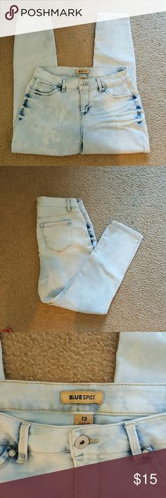 Super light wash skinny jeans Super soft and very stretchy Jeans Skinny