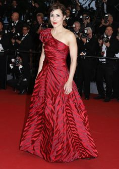 Roomi Rapace wearing Vivienne Westwood to the premiere of Sea of Trees at the 2015 Cannes Film Festival Red Fashion, Red Carpet Fashion, Noomi Rapace, Cannes 2015, It Goes On, Cannes Film Festival, Dress Red, Vivienne Westwood, Trees