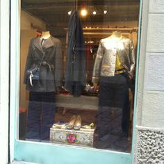 Descrivi il tuo pin...Carla Saibene Atelier: shop window