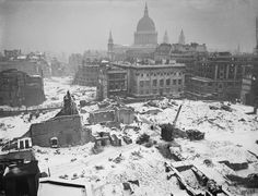 BOMB DAMAGE IN LONDON, JANUARY 1942