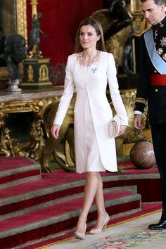 La reina Letizia de España, siempre regia.
