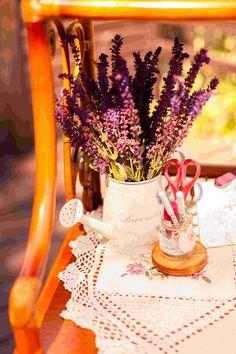 flowers decor, watering can, lace, laying, wedding table, appointments, цветы, декор, милые вещи, кружево, цветочное оформление, свадебная стилистика