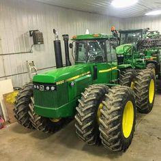 JOHN DEERE 8650 FWD Jd Tractors, John Deere Tractors, Vintage Tractors, Vintage Farm, John Deere Equipment, Heavy Equipment, New Tractor, Tractor Implements, Yesterday And Today
