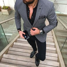 If you gravitate towards casual combos, why not opt for this pairing of a black and white houndstooth blazer and navy skinny jeans? For extra style points, add black leather double monks to your ensemble. Fashion Mode, Suit Fashion, Look Fashion, Paris Fashion, Runway Fashion, Girl Fashion, Womens Fashion, Fashion Trends, Stylish Men