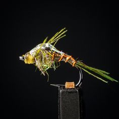 Size 20 Baetis! Tied on a 206BL. #flytying #flytyingjunkie #tyingflies #flytyingaddict #troutflies #troutcandy #troutfishing #baetis #bwo #loonoutdoors #tmchooks #renzetti #customblenddubbing #EbbsForceFlies