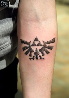 Zelda triforce by TylerATD Ascent studio, Whistler Canada. instagram; @selfdiagnosed
