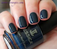 I just feel like posting some swatch spam, so here it comes!     China Glaze Bat My Eyes           OPI Casino Royale          OPI On...