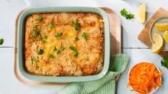 Hjemmelaget fiskegrateng Seafood Recipes, Lasagna, Quiche, Mashed Potatoes, Tin, Food And Drink, Cookies, Meat, Baking