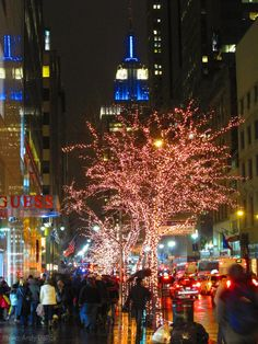 Empire State Building celebrates Chanukah and Christmas