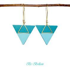 Boucles d'oreilles cuir ▲grands triangles▲, dormeuses, bleu pastel vert…