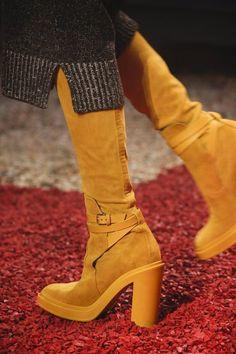 16b1d759f5f4cb Hermès Fall 2018 Ready-to-Wear Fashion Show Details Sexy Boots, Dream Shoes