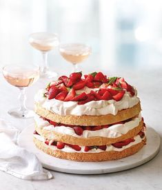 Angel Food Cake with Minted Strawberries and Mascarpone Cream (Williams-Sonoma Taste) Angel Cake, Angel Food Cake Pan, Angel Food Cake Desserts, Strawberry Angel Food Cake, Strawberry Recipes, Strawberry Cake Decorations, Bobby Flay Brunch, Cake With Strawberries, Desserts