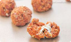 Quinoa pizza bites. These crowd-pleasing appetizers are super melty and cheesy and delicious.