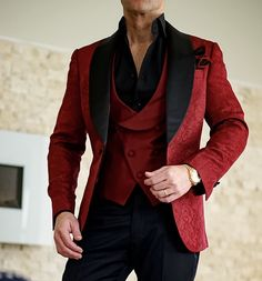 Share our S by Sebastian Burgundy & Black Paisley Dinner Jacket Look. Mens Fashion App, Mens Fashion Suits, Mens Suits, Fashion Vest, Tuxedo Suit, Tuxedo For Men, Groom Tuxedo, Formal Suits, Men Formal