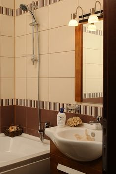 Acasa la Dana Savuica Sink, Home Decor, Sink Tops, Vessel Sink, Decoration Home, Room Decor, Vanity Basin, Sinks, Home Interior Design