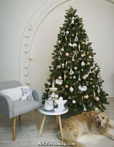 Are you looking for ideas for christmas wallpaper?Browse around this site for unique Christmas inspiration.May the season bring you joy. Dress Form Christmas Tree, Real Christmas Tree, Cozy Christmas, Rustic Christmas, Christmas Quotes, Pottery Barn Christmas, Christmas Tree Decorations, Holiday Decor, Christmas Tree Inspiration