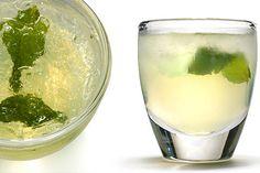 Mint Limonata  2 ounces limoncello 1 ounce vodka 2 ounces soda water 2 medium mint leaves, torn in half #cocktails #limoncello