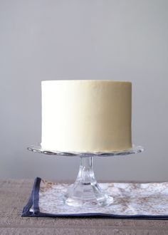 Let's get back to basics and down to business here. Smoothly iced and structurally sound cakes are the building blocks of almost all decorative cakes. I am happy to share my years of experience and show how to ice a cake.  Using the following tips and tricks, you will be well on your to cr