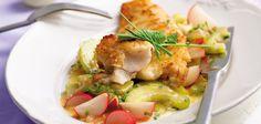 Gebratener Seelachs mit lauwarmem Gurken-Radieschen-Salat