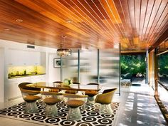 Wood ceiling/dining room/patio