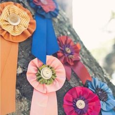 DIY Ribbon Medallions by Posh Paperie courtesy of Style Me Pretty.