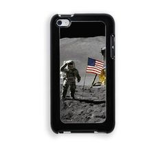 Astronaut Moon Landing American Flag Protective Designer Snap-On Case - Fits Apple iPod Touch 4