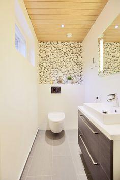 isompi lattialaatta sopii myös pienempiin tiloihin. Laatat ABL-Laatat #vessa #laatat #abl #abllaatat #harmaa #valkoinen #kylpyhuone