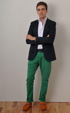 """Essa semana vamos inaugurar aqui no blog o """"Look do Márcio""""! Sim, Márcio é um amigo que tem um gosto para a moda que é só dele! Ele brinca com o guarda-roupa, é cool, chique, criativo e tem uma personalidade única para se vestir. Que venham seus looks!! No primeiro dia de QG, Márcio escolheu …"""