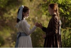 Diana and Anne so sweet Anne Shirley, Anne Of Green Gables, Anne And Gilbert, Arte Bob Marley, Diana Barry, Amybeth Mcnulty, Anne White, Gilbert Blythe, Anne With An E