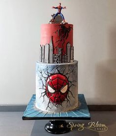 """""""No one can win every battle, but no man should fall without a struggle """" -Peter Parker- . Our friendly neighborhood Spiderman 🕷 . Spiderman Cookies, Spiderman Birthday Cake, Superhero Cake, Star Wars Birthday, Men Birthday, Happy Birthday, Birthday Gag Gifts, Birthday Sayings, Birthday Images"""