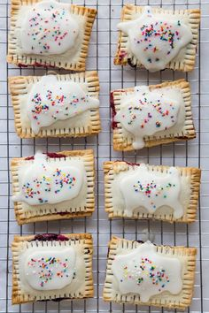 Lighten Things Up With These 13 Healthy Pop Tart Recipes via Brit + Co Healthy Pop Tart Recipe, Healthy Food, Healthy Sweets, Healthy Eating, Gilmore Girls, Tart Recipes, Dessert Recipes, Lemon Desserts, Oven Recipes