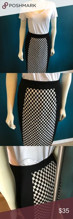 Racer pencil skirt This stretchy pencil skirt has a sporty pattern in neutral black and white. Really cute with converse, or heels! Bought at Nordstrom Halogen Skirts Pencil