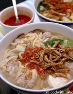 Mee Hoon Kuay / Ban Mian Recipe (Serves 4) Ingredients: For noodles: 2 1/2 cups plain flour 1/2 tsp salt 1/2 cup water 1 egg...