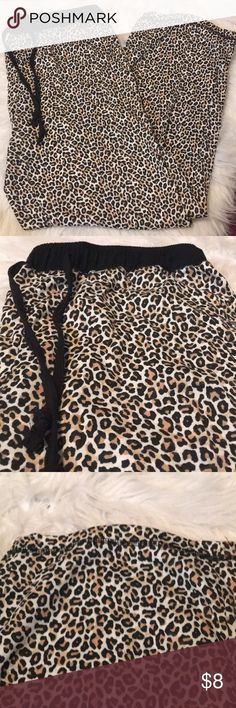 🖤 Cheetah PJ/Lounge Pants NWOT 🖤hanes size xl 🖤ankle length 🖤made in pakistan 🖤60% cotton, 40% polyester Hanes Intimates & Sleepwear Pajamas