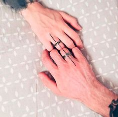 ▷ 1001 + ideas for matching couple tattoos to help you declare your love line crossing both fingers, finger tattoos, touching hands, matching couple tattoos Marriage Tattoos, Relationship Tattoos, Laser Tattoo, Diy Tattoo, Tattoo Hand, Unique Tattoos, Small Tattoos, Couple Tattoo Heart, Minnie Tattoo