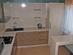Где поставить холодильник в кухне, если ее размер всего 6 кв м?