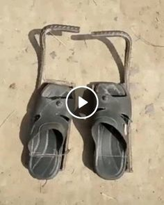 Animated GIF - Special slippers for the pillar Garage Tool Organization, Garage Tools, Welding Projects, Woodworking Projects, Metal Sculpture Artists, Muebles Living, Homemade Tools, Simple Life Hacks, Cool Tools