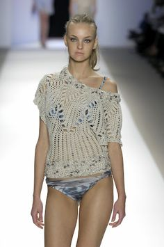 Outstanding Crochet: Carlos Miele Spring-Summer 2007. Two tops.