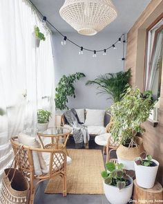 9 Balcony Ideas That Will Spice Up Your Outdoor Apartment Life Want to spice up your outdoor apartment life? Then adopt these 9 balcony ideas and create a tranquility spot in your balcony! Small Balcony Design, Small Balcony Decor, Small Balcony Furniture, Patio Balcony Ideas, Small Sunroom, Sunroom Furniture, Small Outdoor Spaces, Balcony Plants, Terrace Design
