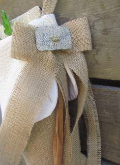 Burlap Christmas Stocking Matelasse Glitter by AntiqueLifestyle, $45.00 Burlap Christmas Stockings, Burlap Stockings, Burlap Crafts, Country Crafts, Holiday Ideas, Arizona, Shabby Chic, Christmas Decorations, Reusable Tote Bags