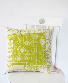 Skinny Laminx pillow, chartruse