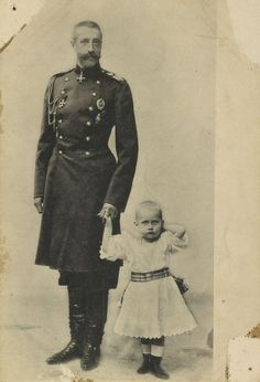 Grand Duke Konstantin Constantinovich with his youngest son Prince Georgiy